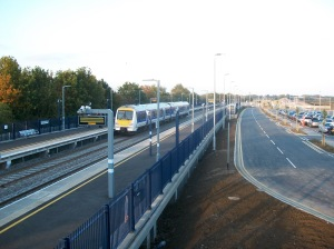 oxford-parkway-station-showing-class-172-unit-arriving-with-service-from-london-marylebone